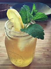 lemon-balm-iced-tea-2